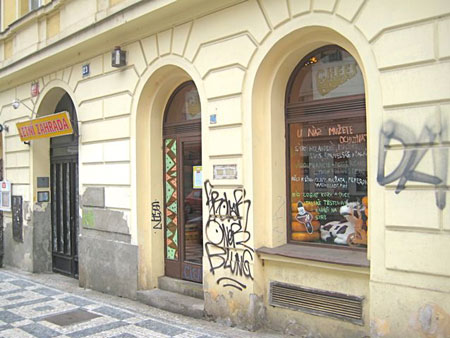 Cheesy, Prague