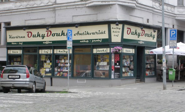 Ouky Douky, Prague