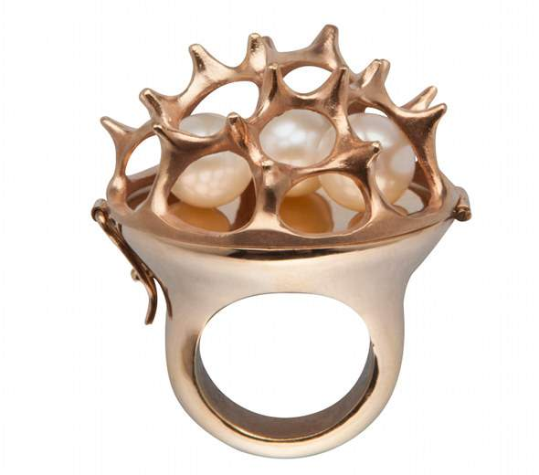 Sea Urchin Ring - 24-karat rose gold plated brass with white fresh-water pearls (13,600CZK)